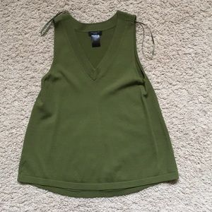 Ann Taylor factory sleeveless top olive XSP